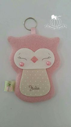 Felt Owls, Felt Birds, Felt Animals, Felt Crafts Diy, Arts And Crafts, Hessian Bags, Felt Keychain, Rakhi Design, Animal Sewing Patterns