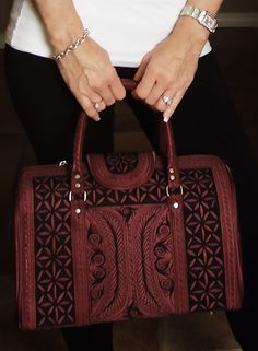 Bags Are Essential To Make A Woman S Outfit Perfect For Any Occasion Browse Our Wide