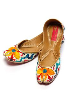 Vian indian designer online embroidered leather juttis