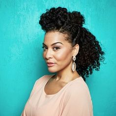 Yasss! Updos are 100x more intricate looking when you have #naturallycurly hair. Then again, we're biased. Stunning, @angelascarfia! : @mydevacurl