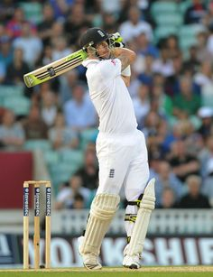 Kevin Pietersen's innings gave England the momentum but bad light ended their chances of victory Test Cricket, Cricket Bat, Cricket World Cup, V Australia, Australia Tours, Adam Gilchrist, Kevin Pietersen, Cricket Wallpapers, Tours Of England