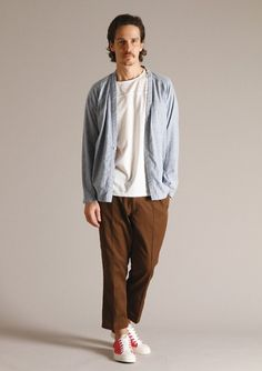 Bedwin and the Heartbreakers - kind of a noragi? with one button. The dispersal from Visvim through other Japanese brands has started. High street in a year? Japan Fashion, Mens Fashion, Men's Street Style Photography, Mens Baseball Tee, Street Style Trends, Japanese Street Fashion, Cropped Trousers, Victorian Fashion, Sport Outfits