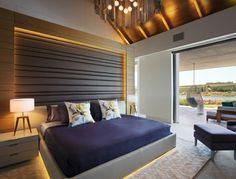 respaldo de cama precioso en el dormitorio moderno