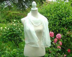 Brautstolen & -boleros - Seidenschal 180x55cm weiss Crinkle Chiffon - ein Designerstück von textilkreativhof bei DaWanda