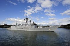 USS Ingraham arrives at the Tom McCall Waterfront Park in Portland, Ore., to kick off Portland Rose Festival Fleet Week 2012. by Official U.S. Navy Imagery, via Flickr