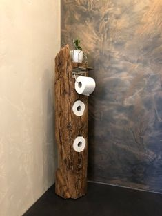 Toilettenpapierhalter I am happy to present the latest addition to my # etsy shop: toilet paper hold Diy Bathroom Paint, Bathroom Spa, Wc Set, Rustic Bathroom Designs, Branch Decor, Decoration Table, Diy Wood Projects, Contemporary Interior, Home Renovation