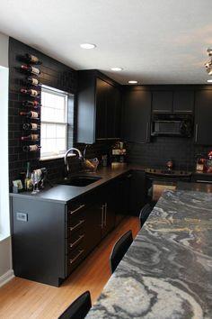 Modern Black Kitchen Black Kitchens, Luxury Kitchens, Home Kitchens, Modern Kitchens, Modern Kitchen Cabinets, Dark Cabinets, Cabinet Making, Kitchen Design, Decoration