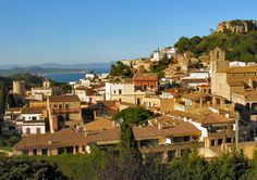 Enjoy a circuit calling by the historic town of Begur, The Catalan Coast