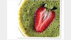 25 Delectable Detox Smoothies: Strawberry Fields Serves 2 3 cups cashew or nondairy milk of your choice 2 cups fresh strawberries 1 tablespoon lemon zest 1 small orange, peeled 1 banana cups loosely packed spinach Green Smoothie Recipes, Juice Smoothie, Smoothie Drinks, Detox Drinks, Healthy Smoothies, Healthy Drinks, Healthy Snacks, Healthy Eating, Detox Smoothies