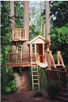 This would be my zombie apocalypse safe house. I'm pretty sure zombies can't climb.