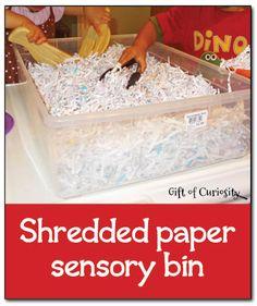 Hecho con tiras de papel reciclado