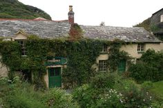 The Otherworld, Boscastle, Cornwall, UK. Pagan and spiritual, books, crystals, ritual supplies and music.