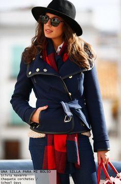 Una silla para mi bolso chaqueta concorchetes - Highly Preppy