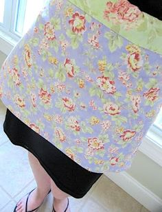 Easy apron tutorial using 2 fat quarters. This would be a good home ec project. Who does not need a couple of aprons!