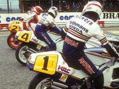 .@Freddiespencer, @TheWayneGardner, Eddie Lawson, Mike Baldwin on the starting grid at Jarama #500cc 1986 Spanish GP
