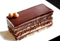 Τούρτα opera με τρεις κρέμες. | Greek Sweets, Greek Desserts, Party Desserts, Greek Recipes, Sweets Cake, Cupcake Cakes, Opera Cake, Cake Recipes, Dessert Recipes