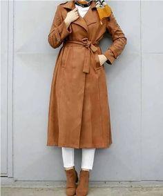 Hijab Outfits in neutralen Farben - Just Trendy Girls - fashion top - Fashion Hijab Dress Party, Hijab Style Dress, Modest Fashion Hijab, Modern Hijab Fashion, Modesty Fashion, Hijab Chic, Casual Hijab Outfit, Muslim Fashion, Skirt Fashion