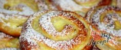 Pudding and quark worm Kuchen Easy Cake Recipes, Baking Recipes, Dessert Recipes, Czech Desserts, Gula, Czech Recipes, Gateaux Cake, Healthy Low Carb Recipes, Streusel Topping