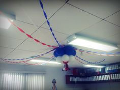 Decoración con globos Independencia Costa Rica, Gym, Globe Decor, Training, Gymnastics Room