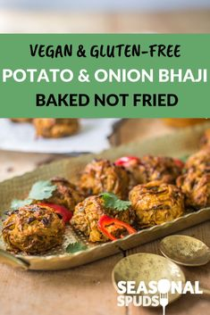Healthy potato and onion bhaji recipe. Vegan, gluten-free and easy recipe, perfect for appetizers – baked not fried Healthy Salad Recipes, Veggie Recipes, Lunch Recipes, Vegetarian Recipes, Dinner Recipes, Picnic Recipes, Indian Potato Recipes, Vegan Indian Recipes, Healthy Potatoes