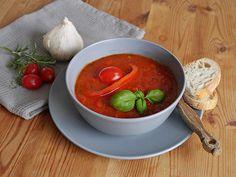 Einfache Paprika - Tomaten - Suppe, ein gutes Rezept aus der Kategorie Gemüse. Bewertungen: 66. Durchschnitt: Ø 4,1.