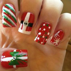 Are you looking for some cute nails desgin for this christmas but you are not sure what type of Christmas nail art to put on your nails, or how you can paint them on? These easy Christmas nail art designs will make you stand out this season. Christmas Nail Art Designs, Holiday Nail Art, Winter Nail Art, Winter Nails, Christmas Ideas, Easy Christmas Nail Art, Christmas Photos, Christmas Design, Christmas Christmas