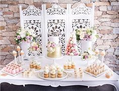 101 fiestas: Tips para Decorar un simple y mini Bautizo Layout Inspiration, Dessert Table, Event Decor, Christening, Mini, Candy, Table Decorations, Projects, Furniture