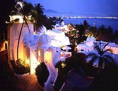 Ahhh....Las Hadas, Muchos recuerdos en este lugar tan hermoso. Manzanillo Colima, México