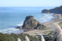 Piha beach, a very nice sight just outside of the metropolis.