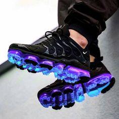 nike shoes adidas whhfashion me nikeairmax airmax yeezy want fitness cheap shopping instagood daily Cool Nike Shoes, Nike Air Shoes, Nike Heels, Nike Air Vapormax, Cute Sneakers, Shoes Sneakers, Sneakers Style, Kicks Shoes, Nike Kicks
