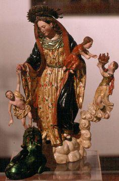 Virgen de la Luz del reconocido tallador quiteño, Caspicara. Siglo XVIII.