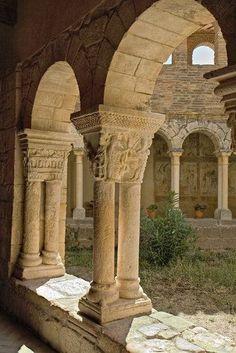 Spain in Pictures: 15 Beautiful Places to Photograph Romanesque Art, Romanesque Architecture, Renaissance Architecture, Architecture Old, Beautiful Architecture, Places In Spain, Places To Travel, Places To Visit, Travel Destinations