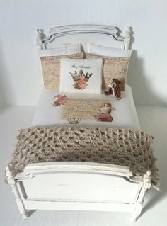 Säng BY SWEDEN 2013 - SOLD - beautiful shabby chic style bed for inspiration