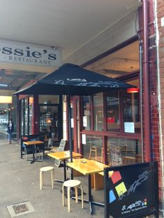 $10 / Eat / Surry Hills / Cossies Cafe - 638 Crown St - Ph. 9699 8482  $10 pasta Tues and Wed nights.