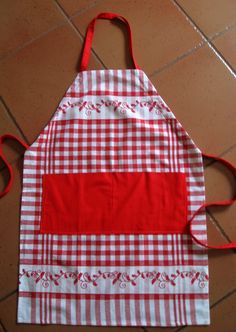 Vicki's Fabric Creations: Tea Towel Aprons
