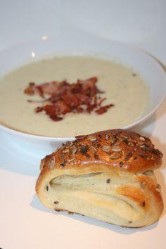 Krämig blomkål och baconsoppa med timjan och citron Green Garden, Bagel, Soup Recipes, Bread, Cook, Baking, Brot, Bakken, Breads