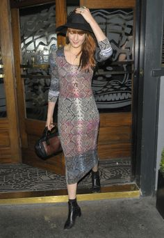 Florence Welch Covers Icona Pop's 'I Love It' (Video): Photo Florence Welch holds onto her hat as she leaves the Groucho Club on Wednesday (June in London, England. Boho Fashion, Fashion Beauty, Fashion Outfits, Womens Fashion, Celebrity Outfits, Celebrity Style, Florence Welch Style, Frock And Frill, Nice Dresses