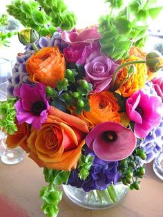 Floral bouquet in vibrant Arrangement Rainbow Flowers, Fresh Flowers, Colorful Flowers, Spring Flowers, Beautiful Flowers, Vibrant Colors, Purple Flowers, Flowers Vase, Exotic Flowers