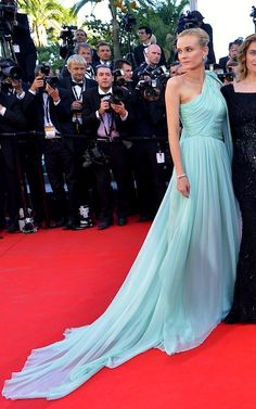 Cannes 2012 - Diane Kruger in custom-made Giambattista Valli