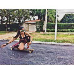 Bom dia!  No drop @thatadr sempre representando  #sampalongboarders #longboard #longboarding #longboarder #girl #longboardgirls #longboardgirlscrew #freestyle #drop #session #photooftheday