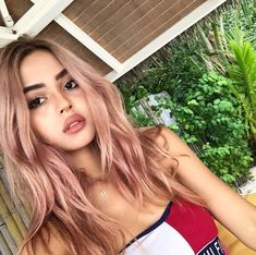 Irresistible Rose Gold Hair Color Looks – My hair and beauty Spring Hairstyles, Cool Hairstyles, New Hair Cut Style, Pastel Pink Hair, Dusty Pink Hair, Rose Gold Hair, Rose Blonde Hair, Blonde Color, Dyed Hair