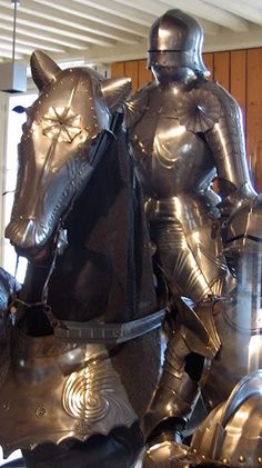 myArmoury.com - Extant 15th Century German Gothic Armour