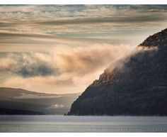 Storm King Mountain, Kings Mountain, Hudson River, Hudson Valley, New Windsor, New York, Clouds, Water, Outdoor