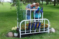 ~~ A Flea Market Gardening 'My Big Garden Project'~~ Frame your flowers with a real bed frame… Old metal bed frames add unique charm to raised beds. Here's how you can build or constru…