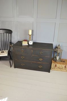 Low Level Vintage Chest of Drawers artwork AS graphite.Inside Drawers are in Olive