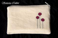 Bolsito de lino pintado a mano. Textiles artesanales --- Señorita Colibrí