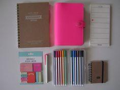 Je vous montre le matériel nécessaire pour commencer à s'organiser sur le blog :)  http://www.addict-to.com/sorganiser-le-materiel-pour-commencer/