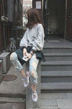 Trendy ideas for casual korean fashion 543 Korean Street Fashion, Asian Fashion, Look Fashion, Trendy Fashion, Fashion Outfits, Fashion Trends, Fashion Ideas, Sneakers Fashion, Korea Street Style