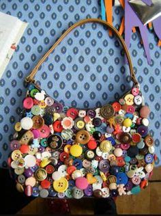 Düğmelerden çanta