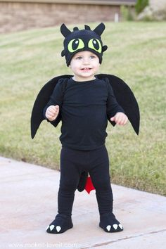 "DIY Toothless Costume...from ""How To Train Your Dragon"""